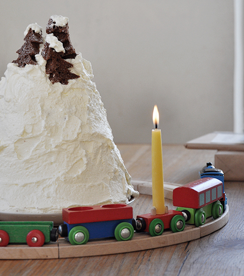 NATURKINDER: Birthday Cake (Whipped Cream Mountain Cake and Train Circle with Birthday Candle)