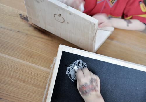 NATURKINDER: Einen Rechner aus Holz machen 6548