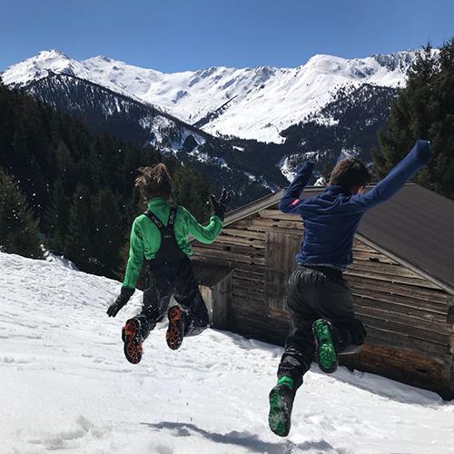 Naturkinder_springen_01
