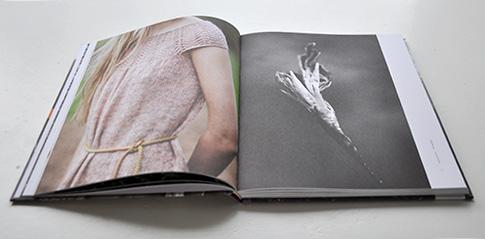 NATURKINDER: Ginger Cuffs aus Maschenpoesie by Helga Isager