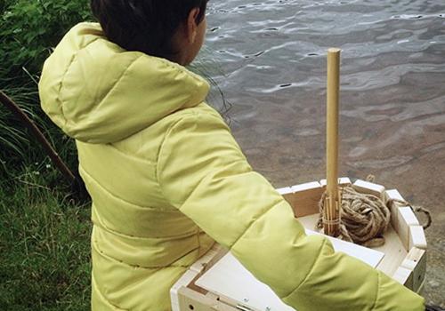 NATURKINDER: Holzboot