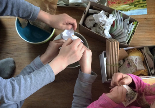 NATURKINDER: How we make seed bombs!