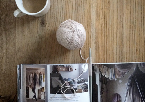 NATURKINDER: Knitting | Chocolate and Cream