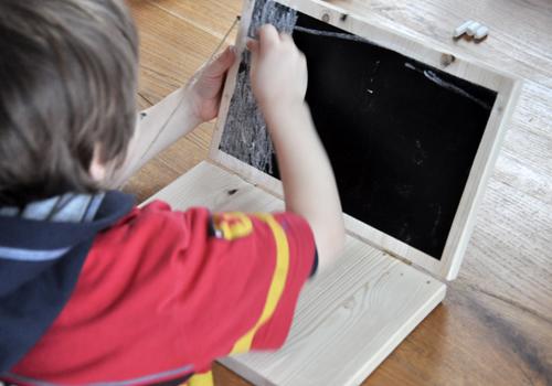 NATURKINDER: Einen Rechner aus Holz machen 6557