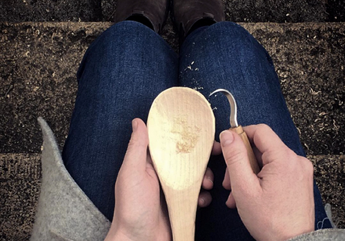 NATURKINDER: Carving a Rice Spoon
