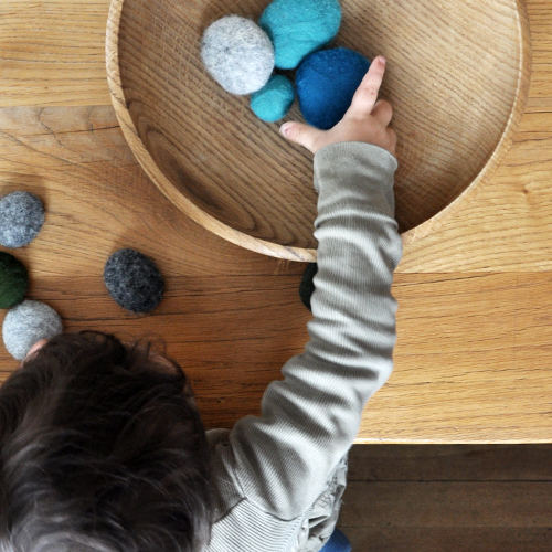 NATURKINDER: Felted and Embroidered Stones 1267
