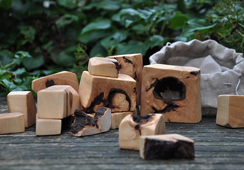 NATURKINDER: DIY Wooden Blocks from an old lime tree 4835