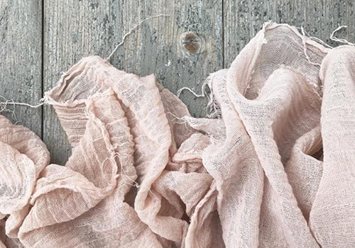 NATURKINDER: Handdyeing (cotton, silk, yarn) with Natural Materials | Avocado
