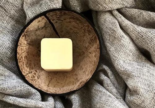 NATURKINDER | palmölfreie Handbutter | Kokosnussschale