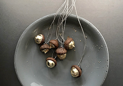 NATURKINDER | Crafting and Decorating with Natural Materials | Acorns